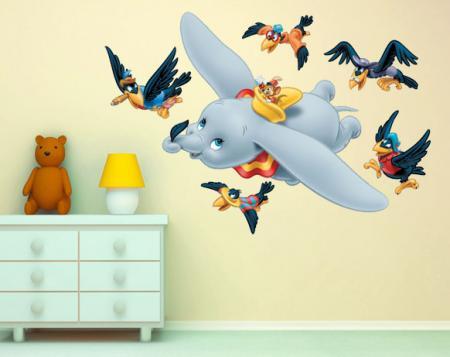 vinilo decorativo decorativo dumbo volando a todo color y recortado
