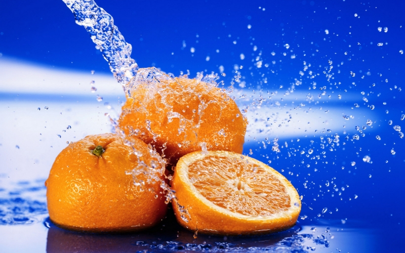 950691wet-oranges.jpg
