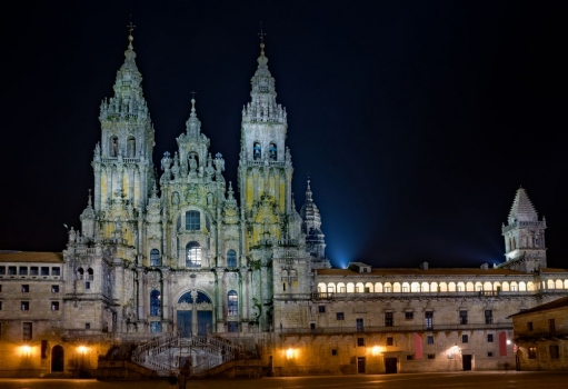 Catedral_santiago_muralesyvinilos_12475421__Monthly_XL.jpg