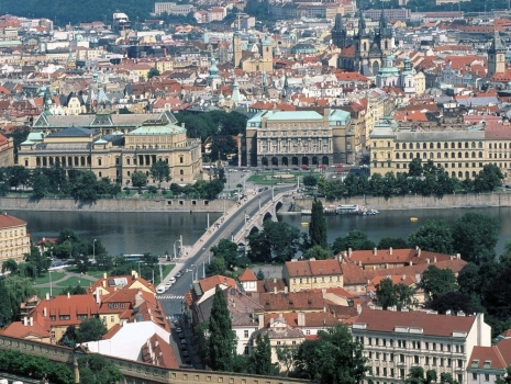 Manesu_Bridge_Over_the_Vltava_River_Prague_Czech_Republic.jpg