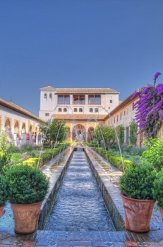 Patio_alhambra_muralesyvinilos_24629509__Monthly_XL.jpg