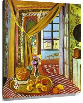 Henri_Matisse_-_Interior_with_Phonograph.JPG