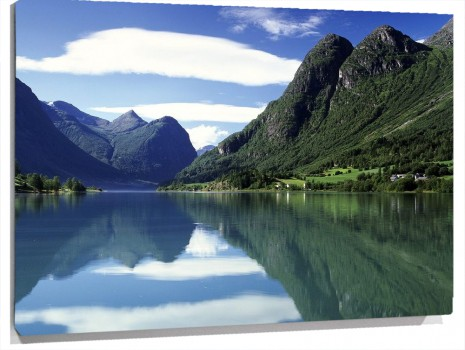 Oldenvatnet,_Norway.jpg