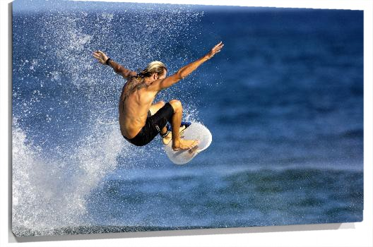 Surfista_Fotolia_2020723_Subscription_XL.jpg