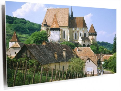 Saxon_Fortified_Church_of_Biertan,_Near_Sighisoara,_Transylvania,_Romania.jpg