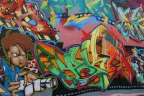 Murales Graffiti en pared urbana