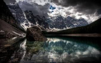 Murales montaña reflejo